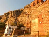 Vista del Castillo desde el Pueblo de Cabañas, al pie de la iglesia.