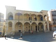 El antiguo Ayuntamiento que alberga en la actualidad las dependencias de la policía local de Zamora