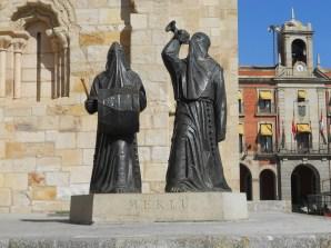 Estatua del Merlu, que sale tradicional mente en Semana Santa.
