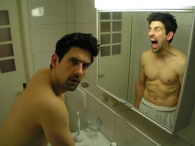 Un extraño en mi espejo.