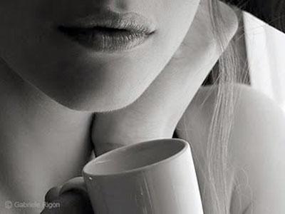 20110329041842-tomando-cafe.jpg